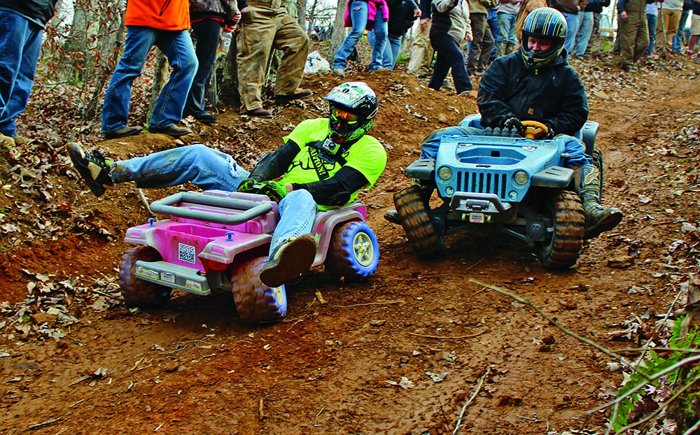 Jeep per bambini. Extreme barbie jeep racing